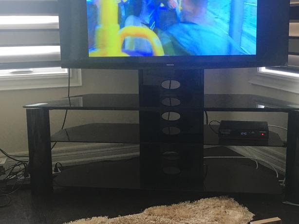 GLASS TV TROLLEY