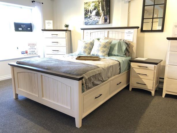 4-Piece Pine Queen Bedroom Suite - NEW!