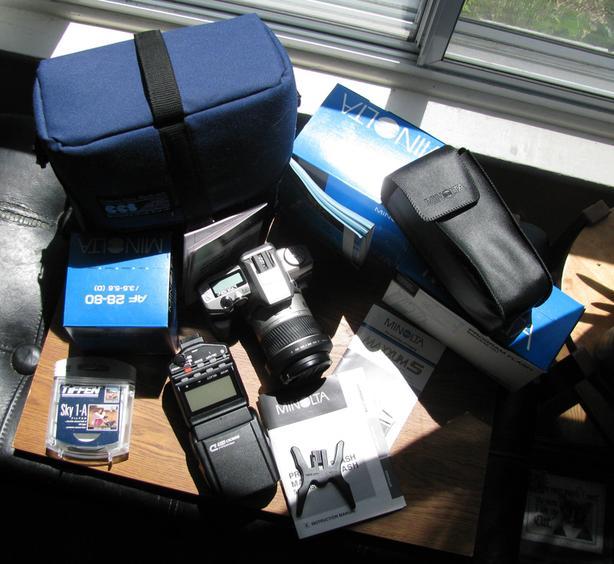 Minolta Maxxum 5 35mm camera w/AF Zoom Lens, Filter, Program Flash, bag