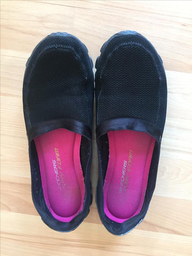Women's Sketchers shoes