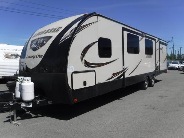 2017 Forest River Lacrosse Luxury Lite 339 BHD Travel Trailer