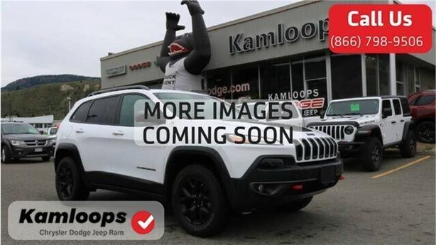 2017 Jeep Cherokee Trailhawk /4x4//Navi//Leather/