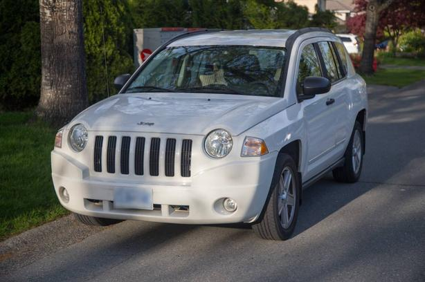 2009 Jeep Compass 2.0 FWD - $6399 OBO