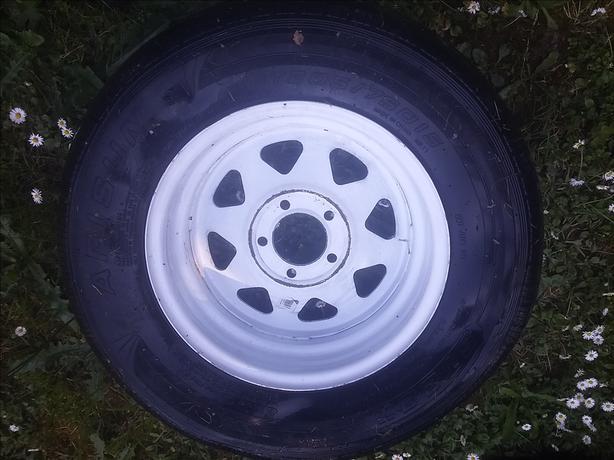 white trailer wheel 15inch