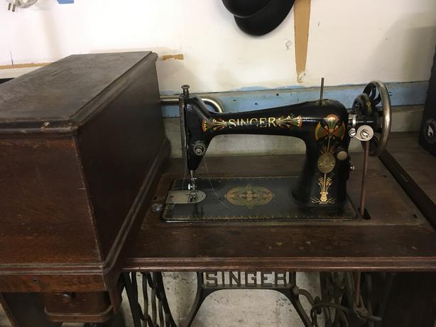 1920 Singer Sewing machine