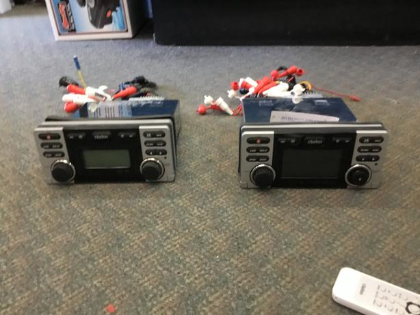 Clarion CD Player & CD Player/DVD Player