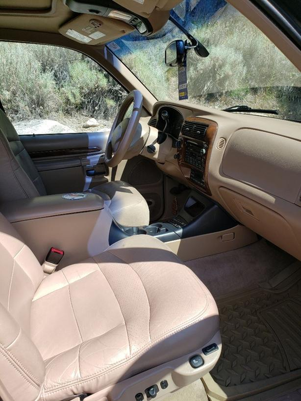99 Ford Explorer Limited Edition 4x4