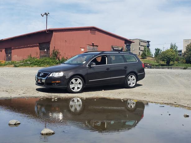 * 2010 Volkswagen Passat Wagon - 114Kms. - Leather - Sunroof