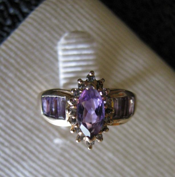 14K Yellow Gold Amethyst Ring with Diamond Accents Size 5.75