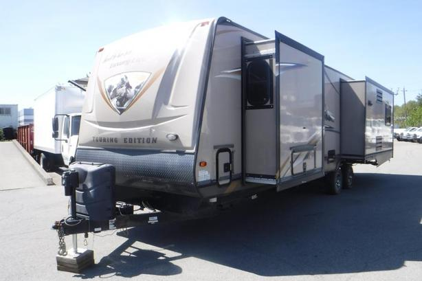 2013 Prime Time Lacrosse 327RES Touring Edition with 3 Slides Travel Trailer