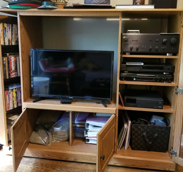 FREE!! TV stand / entertainment unit