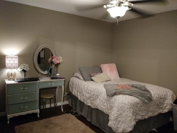 $600 Bedroom in East End