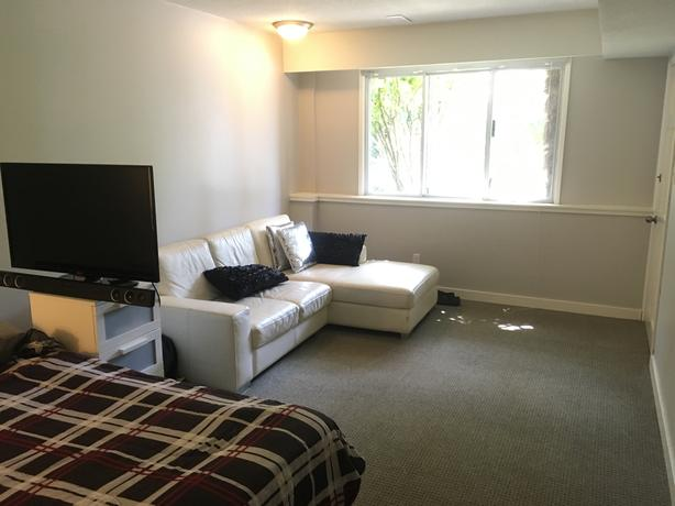 Fully Furnished Master Bedroom - Near UVic July and August
