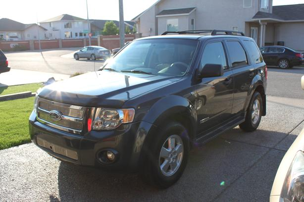 2008 Ford Escape XLT SUV - IMMACULATE! REMOTE STARTER!