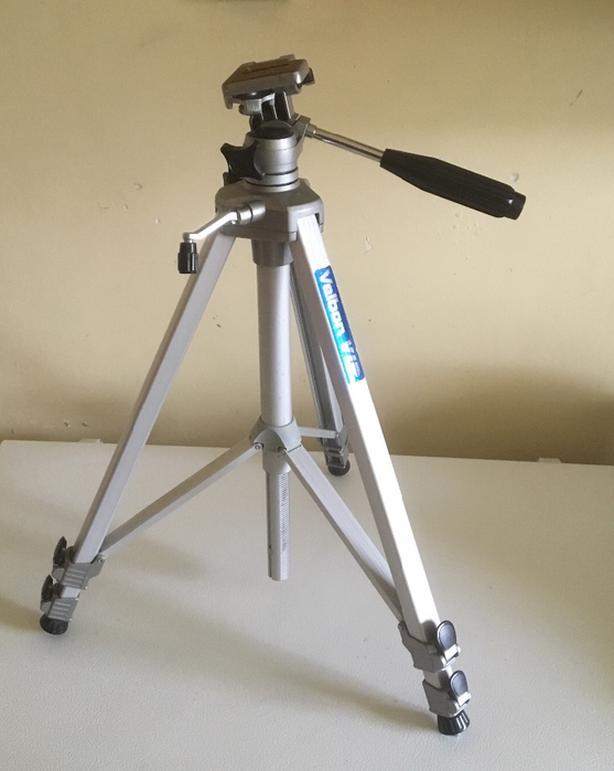 Velbon Aluminum Full Size Camera / Video Tripod 2 For Sale
