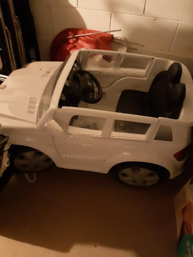 FOR TRADE: Mercedes toddler car