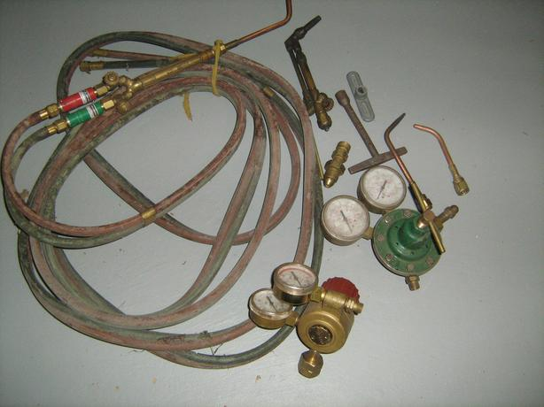 Acetylene Torch with hose and regulators