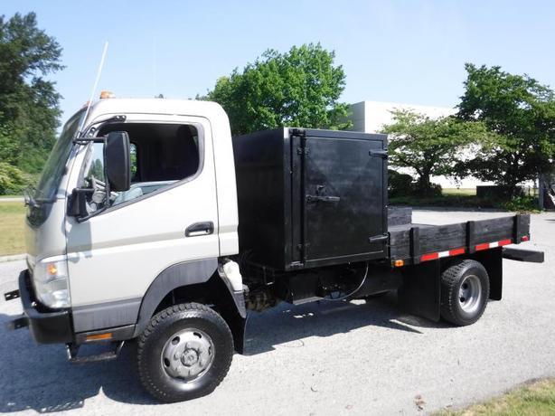 2007 Mitsubishi Fuso FG84D Flat Deck Service box  8.8 foot deck space Diesel 4x4