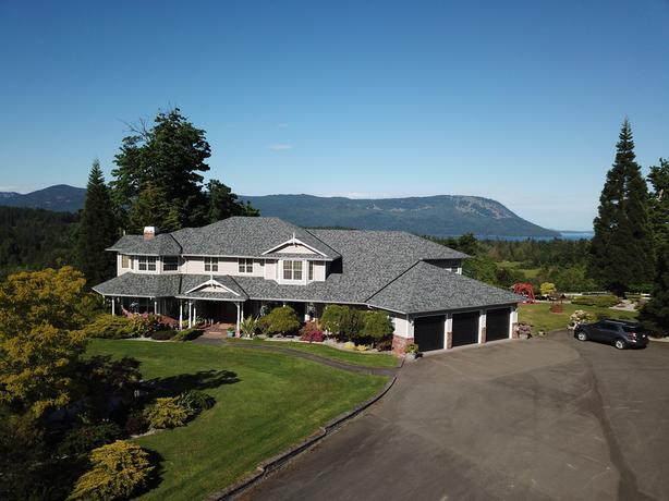 SPECTACULAR 50 AC. ESTATE WITH ENDLESS REVENUE POSSIBILITIES IN COBBLE HILL!!