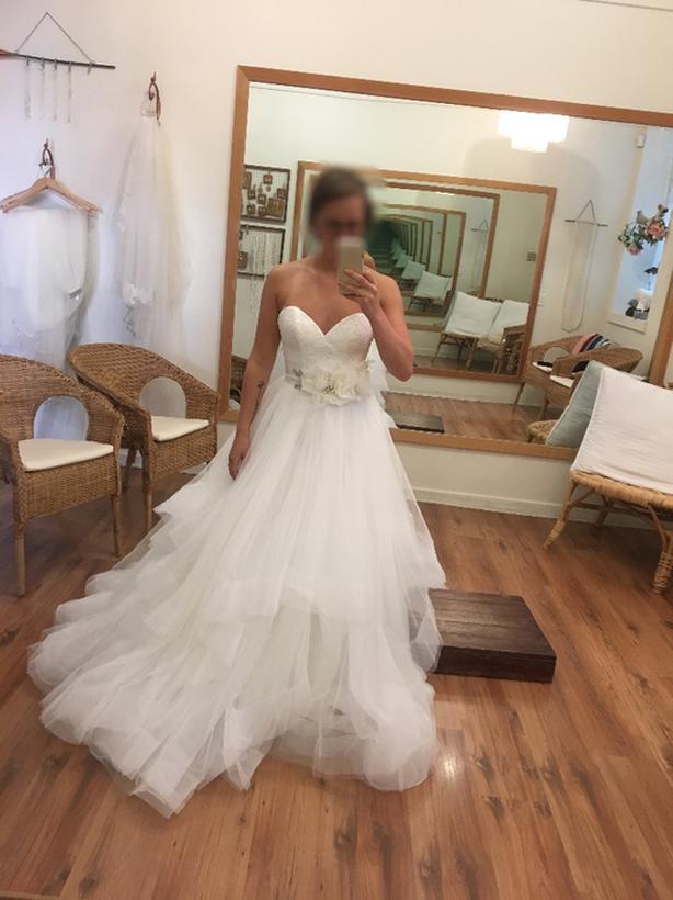 Log In Needed 1 000 Reduced Untailored Unworn Wedding Dress Us 6