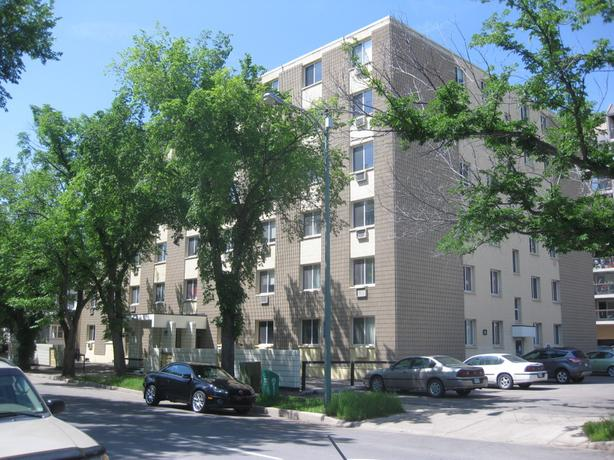 2 Bedroom Apartment Downtown - 2250 Rose St.