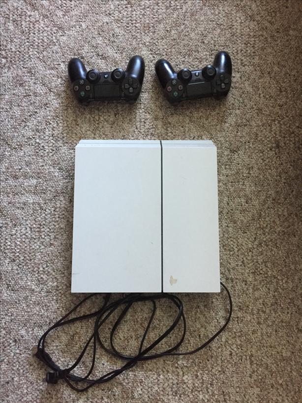 Playstation 4 with 2 controllers