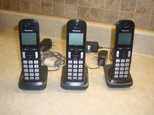 3 Like New Panasonic Cordless Phone KX-TGCA20C Handset & Base - $15 each