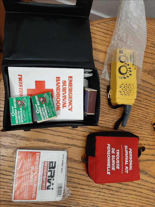 Emergency roadside vehicle kit for cars, trucks, campers