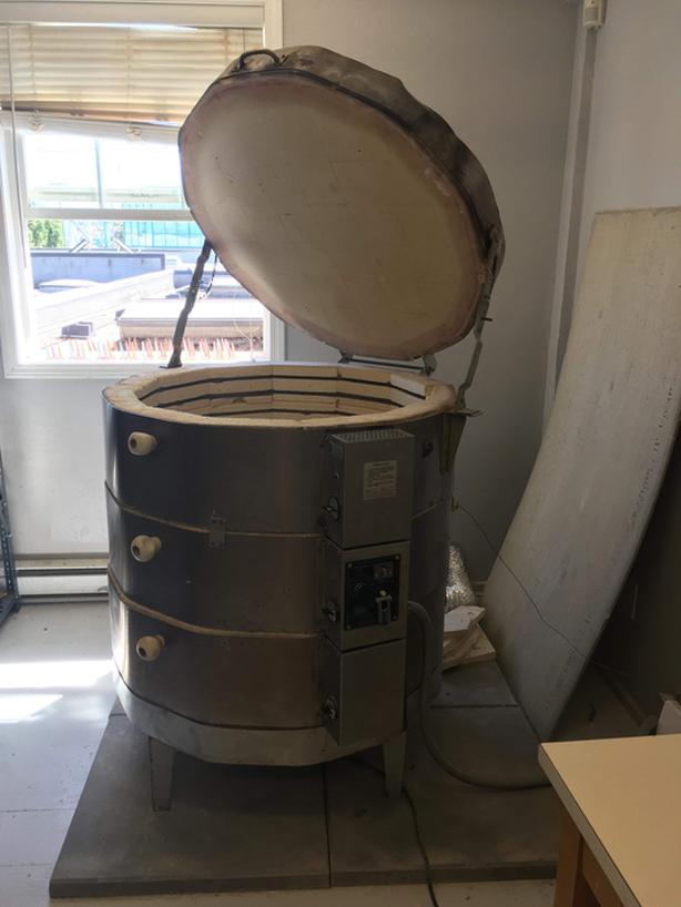 Large production sitter kiln