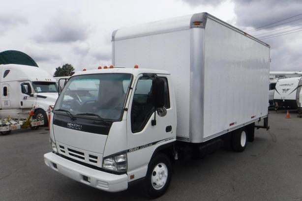 2006 Isuzu NPR HD 14 Foot Cube Van Workshop Van Diesel with Ramp