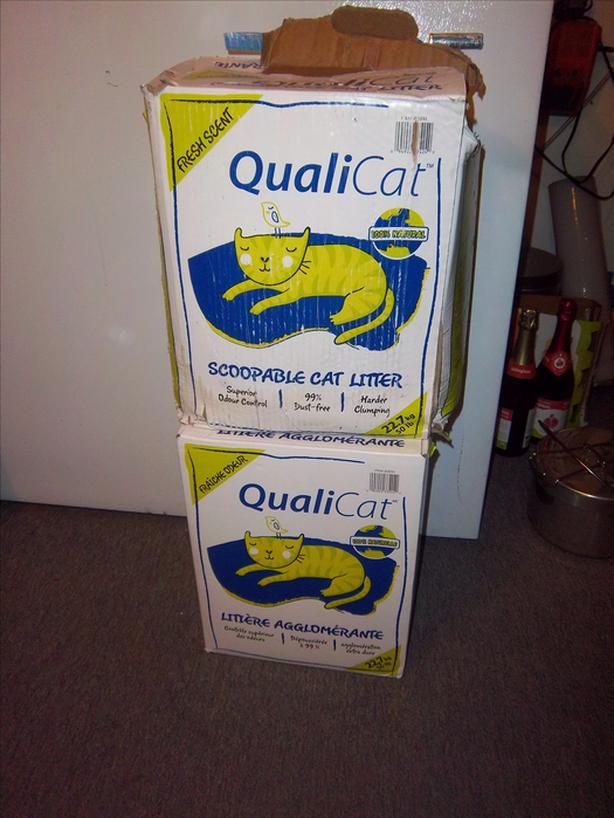 """Qualicat"" cat litter"