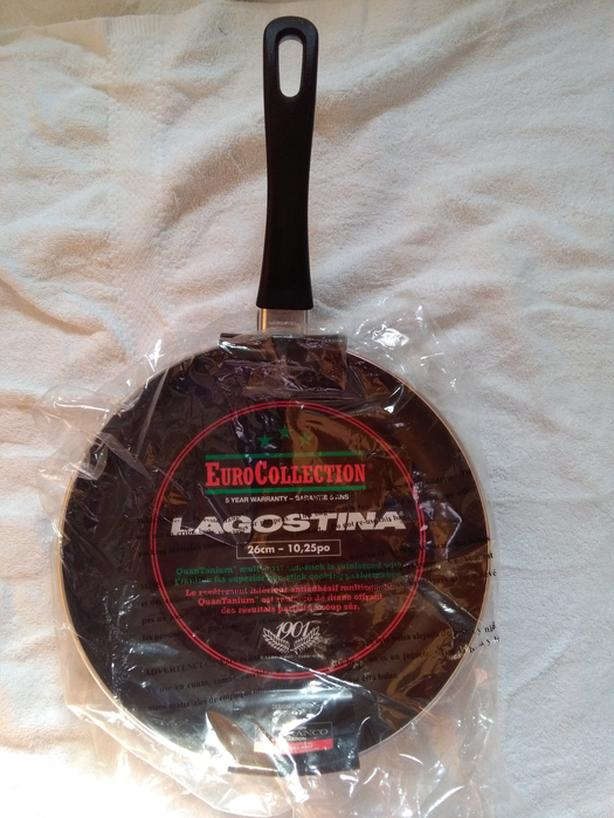 SOLD*Lagostina 26cm Skillet QuanTanium NonStick Brand NEW