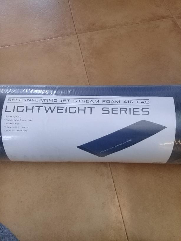 Self-inflating camping mattress