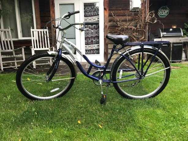 Schwinn Bicycle, 6 Speed 5 Star Cruiser Oak Bay, Victoria