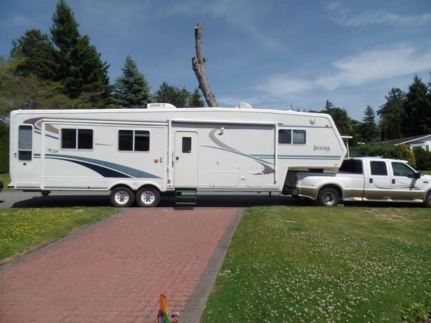 2000 Jayco Designer One Owner 5th Wheel