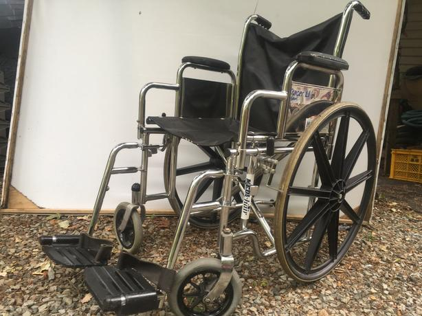 Wheelchair Invacare  WCU - 18  TRACER LIGHT WT