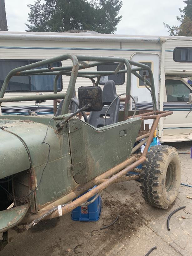 jeep with amc 360 Victoria City, Victoria