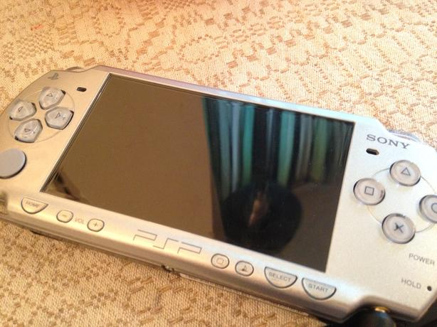 Sony PSP- Play Station Portable [ model-2001]-Wi-Fi  battery bad