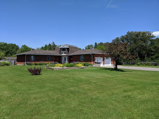 OPEN HOUSE!! NEW PRICE!! SUNDAY JULY 14/19 1:00 - 2:30 696 THIRD LINE WEST