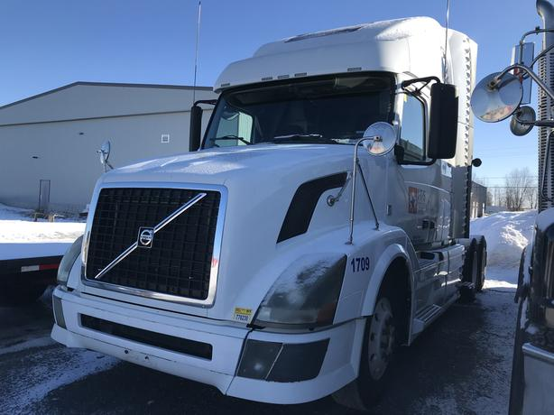 Limited time offer one owner: Volvo vnl 670 YEAR: 2011