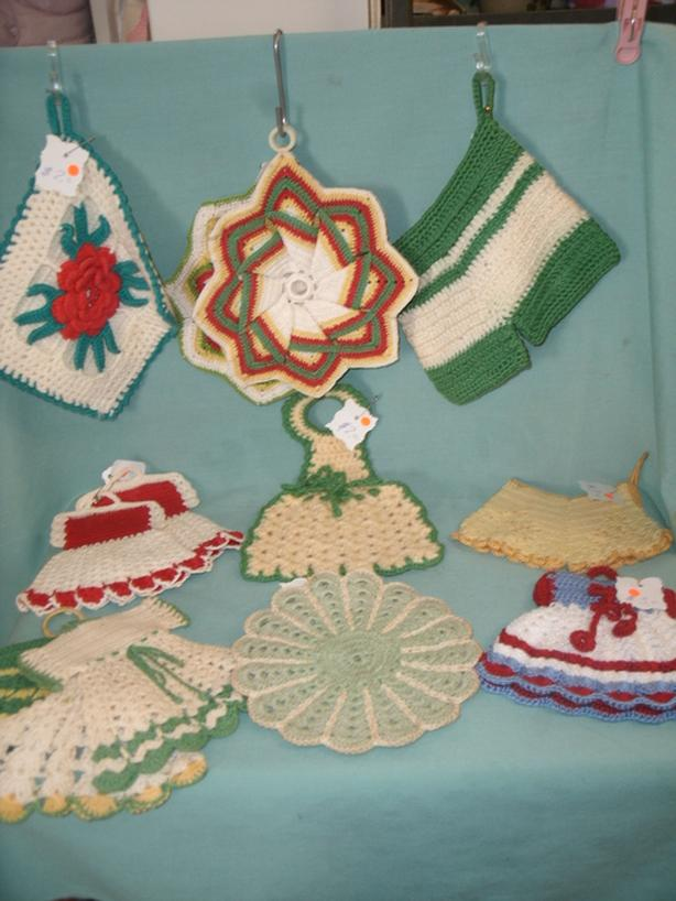 Vintage Crocheted Knitted Pot Holders