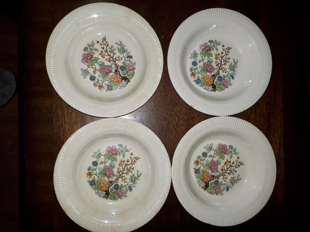 Vintage Set Of 4 Flowered Bowls (Indian Tree Salem China Co Made USA)