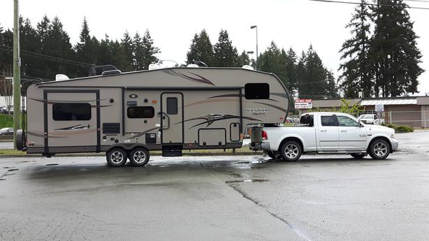 2014 32 FT Rockwood Signature Ultralite 5TH Wheel