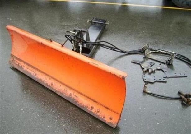 1999 Kubota L2072-1 Blade Front