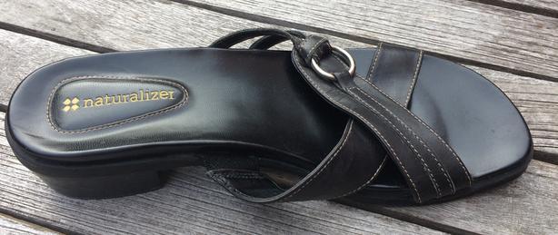 Women's Black Naturalizer slide sandals with low heel  size 7.5