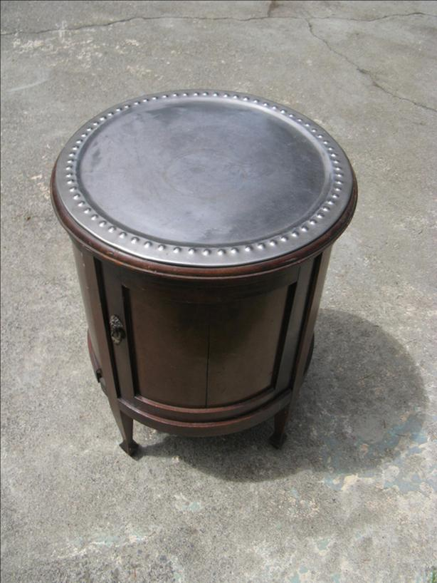 Round Oak End Table/Cabinet