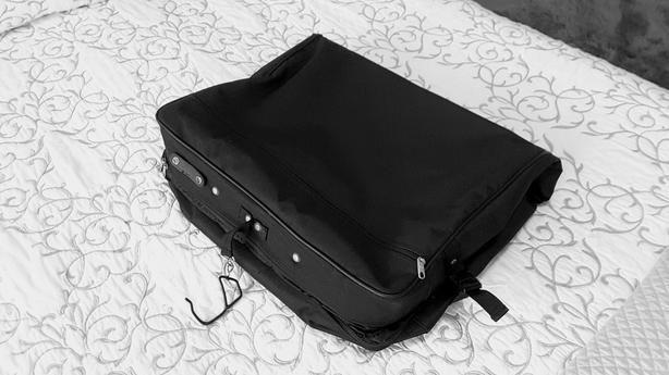 c256ab77c051 Samsonite Garment Bag - carry suits & dresses without folding ...