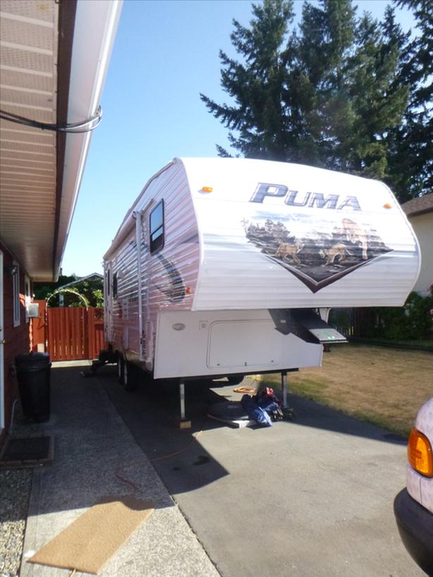 25 FT 5TH WHEEL MADE BY PUMA
