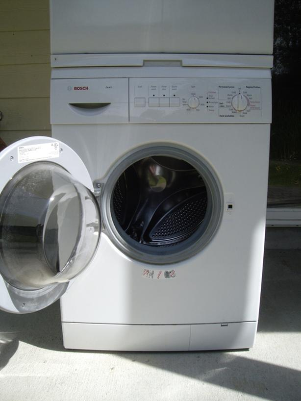 Bosch Apartment size front load washer Saanich, Victoria
