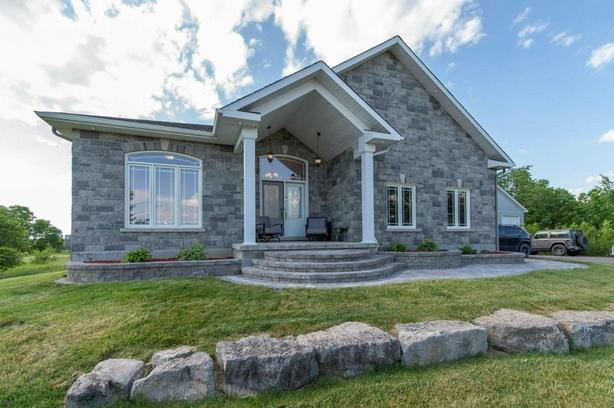 Stunning Bungalow on large lot!Great space and finishes